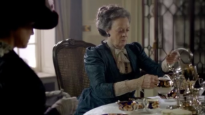 DowntonAbbey-swivelteapot